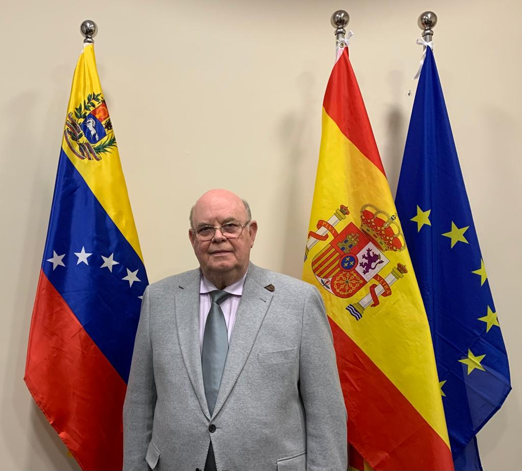 Embajador de Venezuela en España Antonio Ecarri